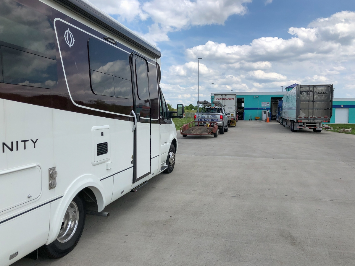 Baby's First Bath – Taking the RV to Blue Beacon TruckWash